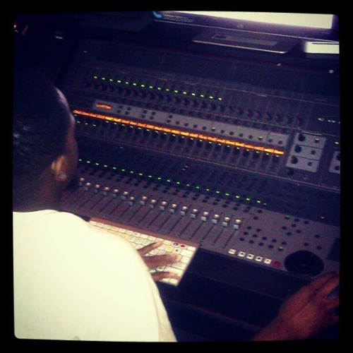 Aug 8th banger Guitar Wit 808's 2011
