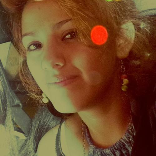 Claudia San's avatar