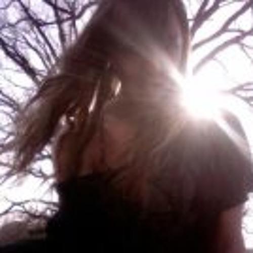 Sarita Ruhu Uhl's avatar