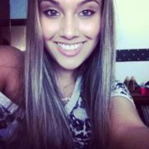 Karolina Evelyn's avatar