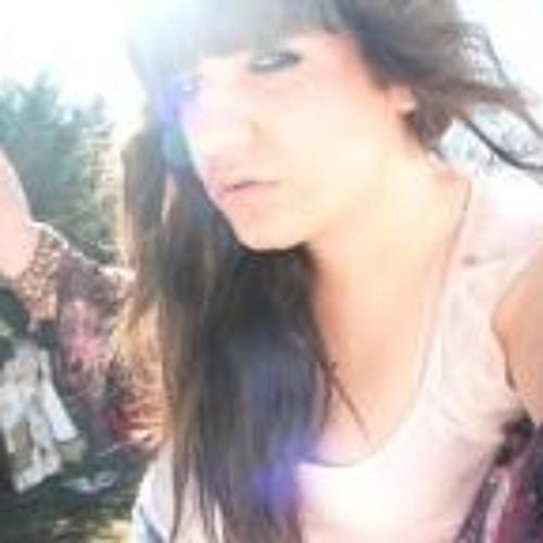 nadia pato's avatar