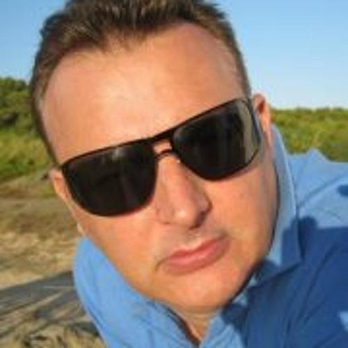 Luca Mattioli's avatar