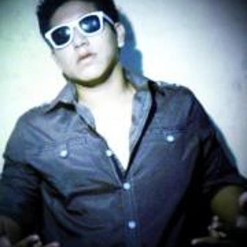 Luis Alvarado 8's avatar