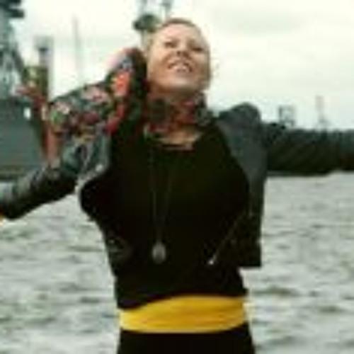 Elisabeth Struggle's avatar
