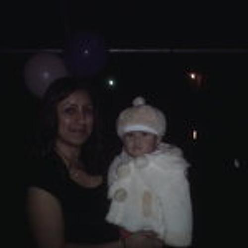 Yesenia Flores 4's avatar