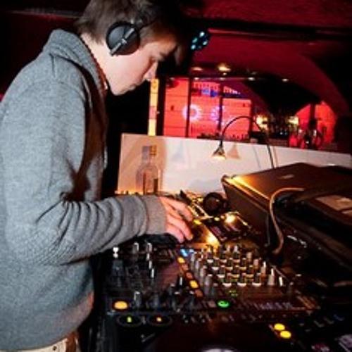 Guillaume V - Mixtapes²'s avatar