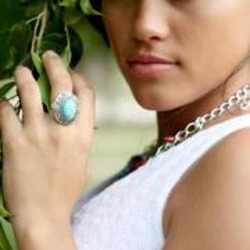 Reena Usher's avatar