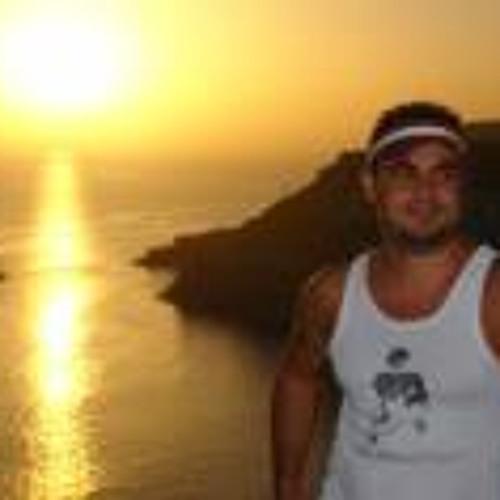 Gustavo Rivero Gonzalez's avatar