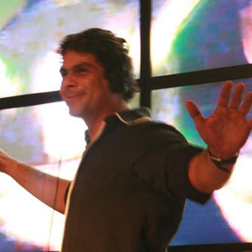 Rodrigo Medeiros (Jolly)'s avatar