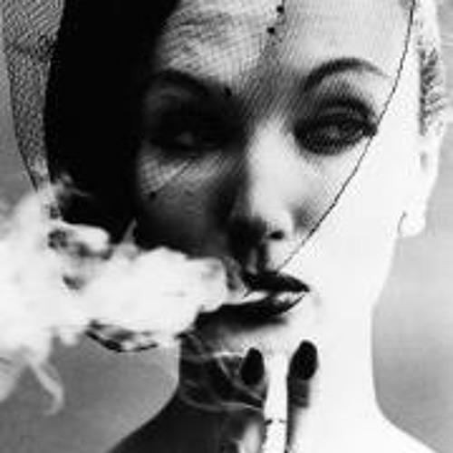 Irene Serra's avatar
