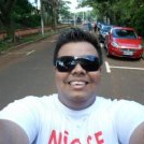 Raffynhah Oliveira's avatar