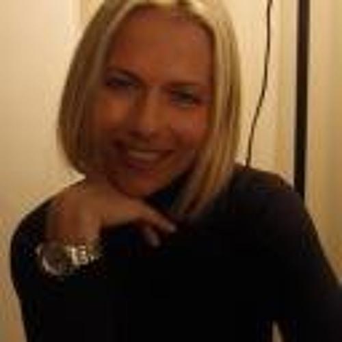 Zsuzsanna Fajcsak DrZsu's avatar