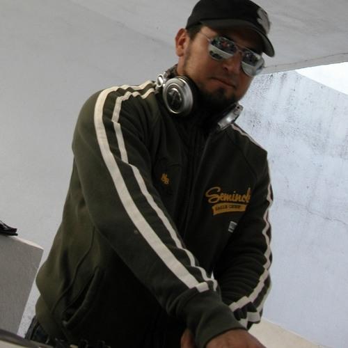 dj VIRUZ's avatar