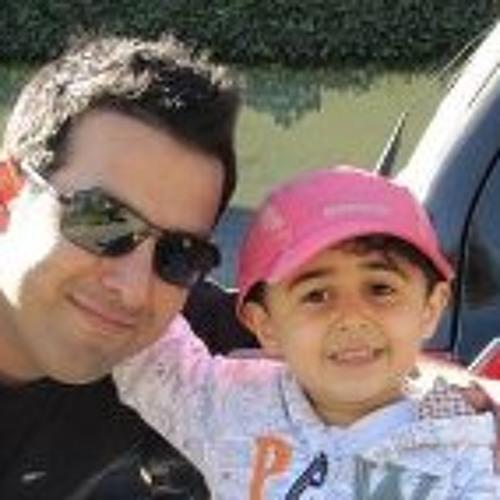 Mohsen Akhoundi's avatar