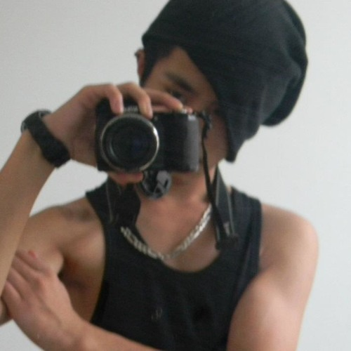 TiinyFam's avatar