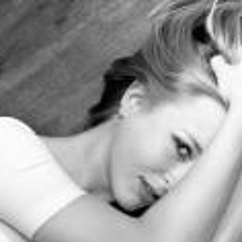 Nikki Smith 14's avatar