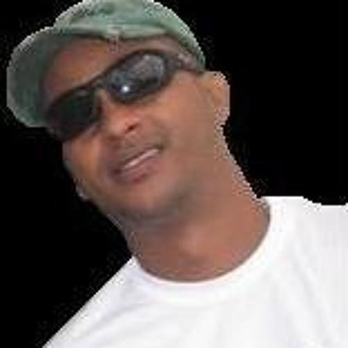 Leonardo Cardoso 7's avatar