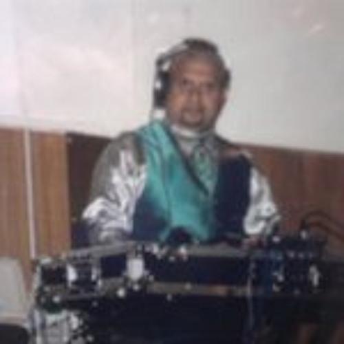 Jose Loiz's avatar
