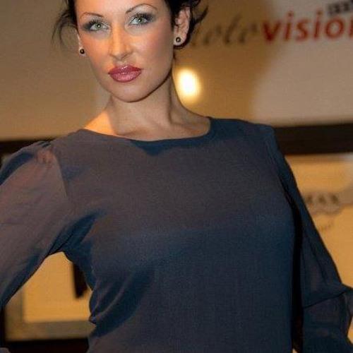 Angelique Unique Meehan's avatar
