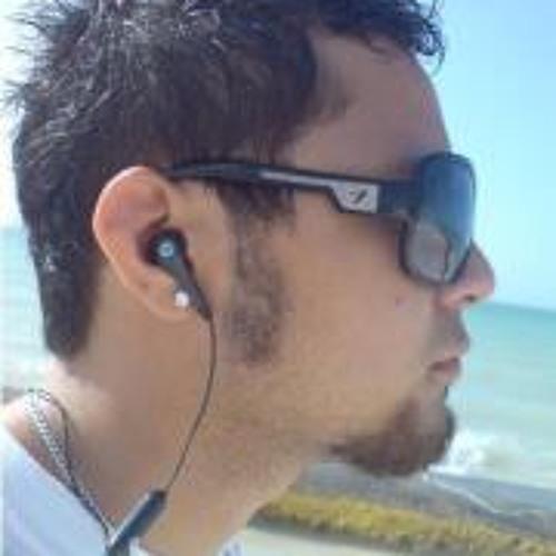 Eduardo Viera's avatar