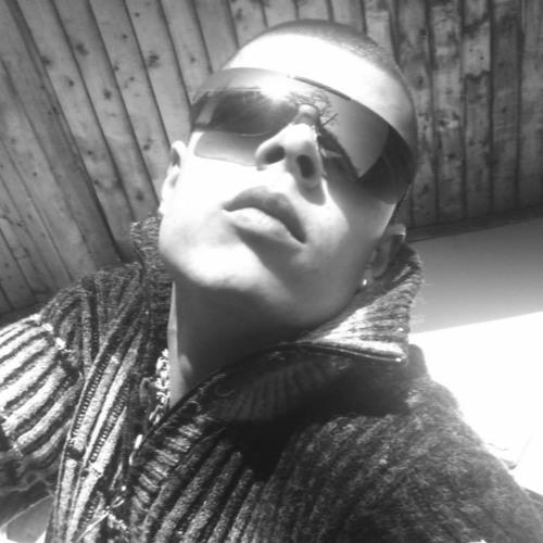 DiaVoloTM's avatar