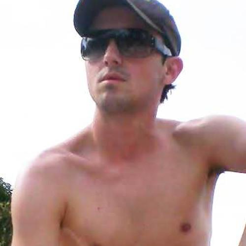 Pedro Moretto's avatar