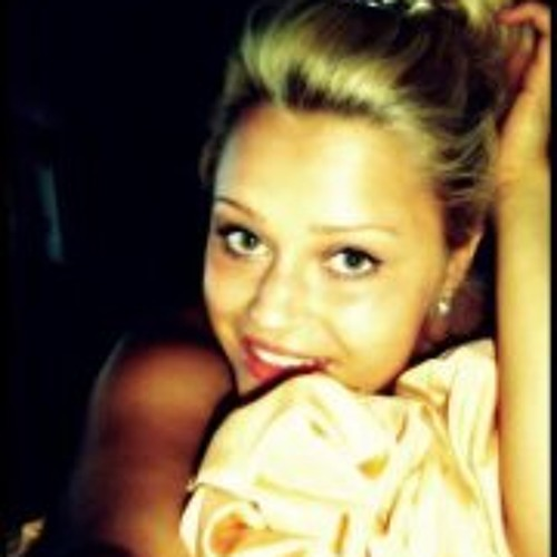 Vanessa Luca's avatar