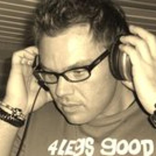 Michael Finow's avatar
