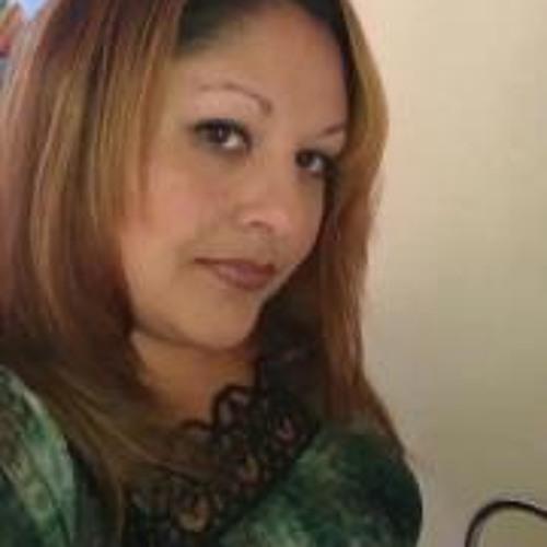 Yvonne Lobato's avatar