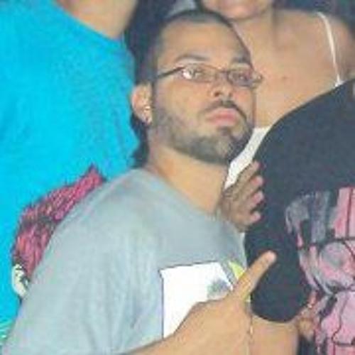 Angel Torres 25's avatar
