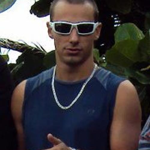 Cesar Schutz's avatar