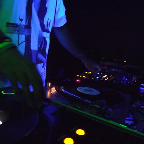 DJ ReV's avatar