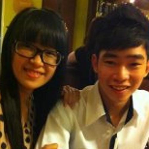 Clover Nguyen's avatar