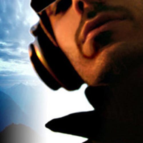 Rafael Santoro's avatar