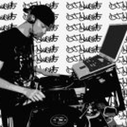 DJ BRuSHiE's avatar