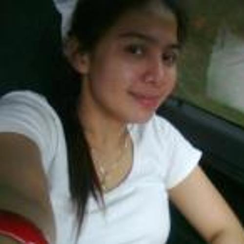Milla April's avatar