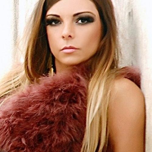 JulianaPallatto's avatar
