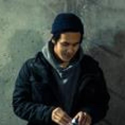 Kittiphong Xayasane's avatar