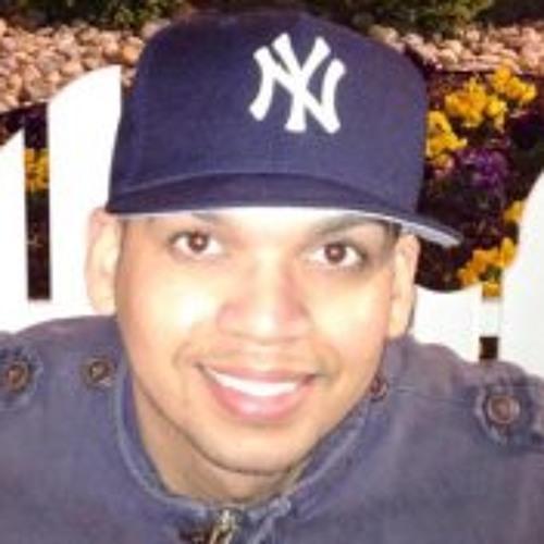 Manuel E Perez's avatar