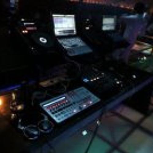 DJ FirdauZ putra's avatar