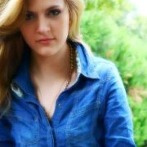 Andrea Fuentes Cortés's avatar