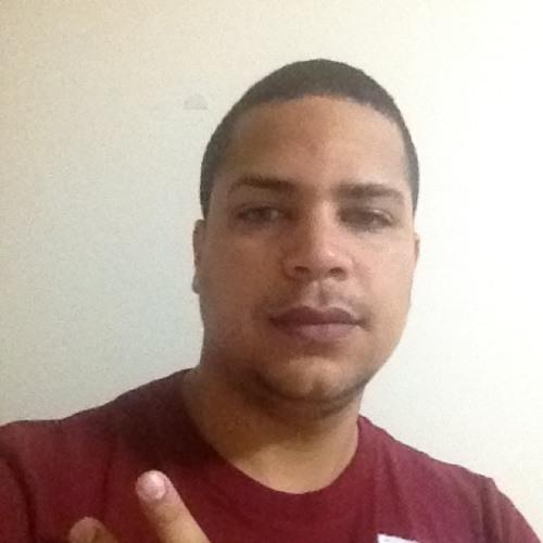 domingo reyes's avatar