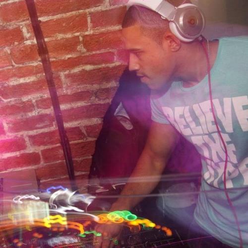 DJ6's avatar
