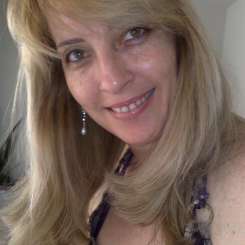 Renata Clappis's avatar