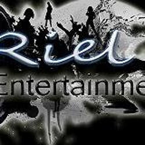 RielFireFlame's avatar