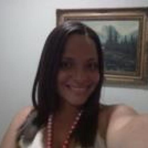 Danielle Velloso Corrêa's avatar