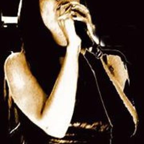 Roya Raya's avatar