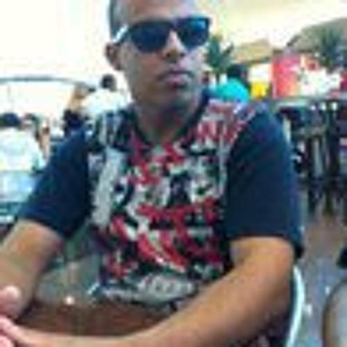 Lucas Simoes 3's avatar