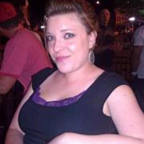Amanda Bluel's avatar
