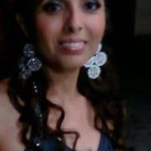 Lourdes G-Amparo's avatar